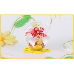 Fleur en bois mauve sur Boîte Faberge