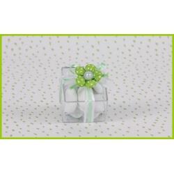 Fleur verte sur boite