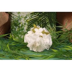 Orchidées sur tulle à dragées en dentelle