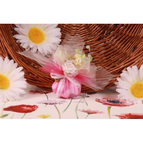 Bouquet fleur rose sur tulle