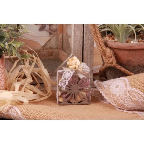 Fleur écru sur support métal gris - Boîtes à dragées - Dragées Braquier