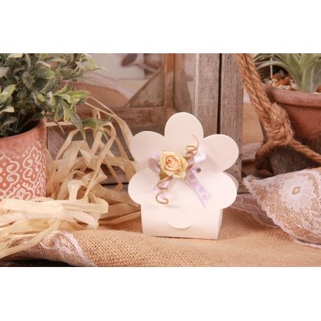 Fleur écrue sur boîte fleur blanche - Boîtes à dragées - Dragées Braquier