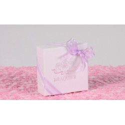 Caritas blanc, ruban satin lilas - Boîtes à dragées - Dragées Braquier