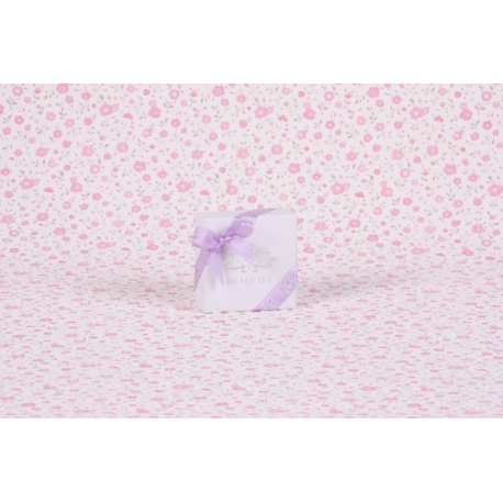 Caritas blanc et ruban fleurs découpées lilas - Boîtes à dragées - Dragées Braquier