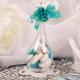 Fleur bleu turquoise sur goutte
