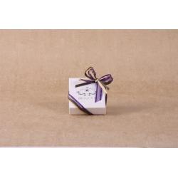 Caritas blanc, ruban prune - Boîtes à dragées - Dragées Braquier