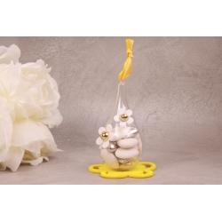 Fleur blanche sur goutte