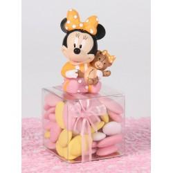 Minnie assise sur Boîte